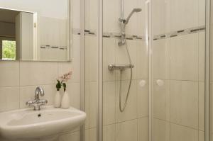 A bathroom at Bnbmoon