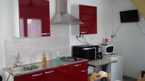 A kitchen or kitchenette at Gîte de Blessy