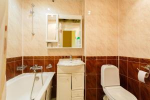 A bathroom at Economy Brusnika Apartments Serpukhovskaya