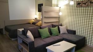 A seating area at Apartament Aosta Sinaia