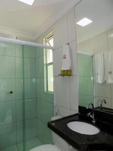 A bathroom at New Jhc Hotel
