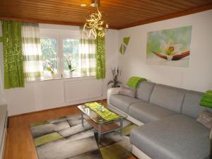 Ein Sitzbereich in der Unterkunft Brennseeblick