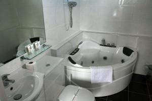 A bathroom at The Imperial Hotel