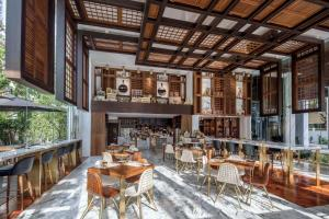 A restaurant or other place to eat at 137 Pillars Suites Bangkok