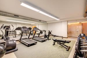 The fitness center and/or fitness facilities at Warmthotel