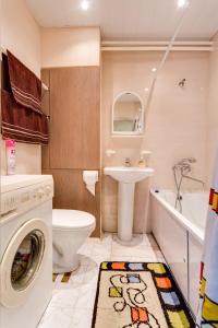 Ванная комната в Апартаменты на Новомарьинской
