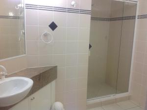 A bathroom at Kings Row Apartments