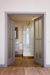 A bathroom at Braamberg B&B