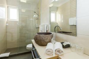 A bathroom at Villa Liburnum