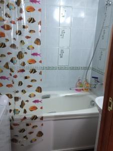 A bathroom at Apartments Мира 2 Б