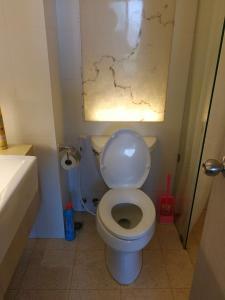 A bathroom at Atlantis Condo Resort Natali