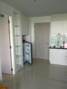 A kitchen or kitchenette at Atlantis Condo Resort Natali