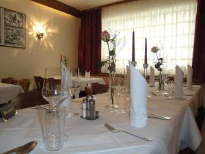 A restaurant or other place to eat at Hotel Krutzler