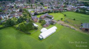 A bird's-eye view of Parr Hall Farm Bed and Breakfast