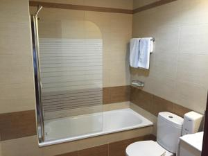 A bathroom at Hotel Castillo