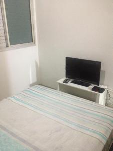 A television and/or entertainment center at APTO CENTRAL COM WI-FI