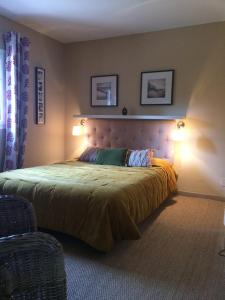 A bed or beds in a room at Villa Pergola