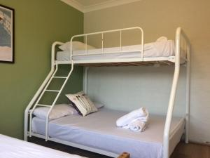 A bunk bed or bunk beds in a room at Kirwan 50