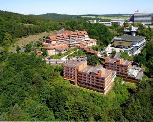 Blick auf Göbels Hotel Rodenberg aus der Vogelperspektive
