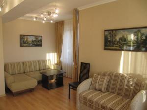 Гостиная зона в Guest House AKS