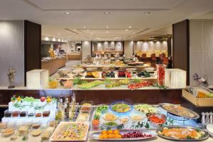 旅館の敷地内または近くでの食事または食べ物