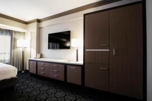 A television and/or entertainment centre at Hilton Club New York