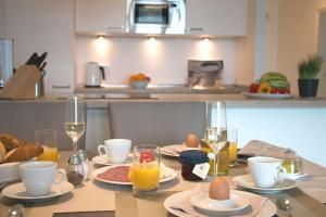 Breakfast options available to guests at Südkap H-03