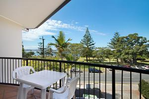 A balcony or terrace at Blue Waters Apartments