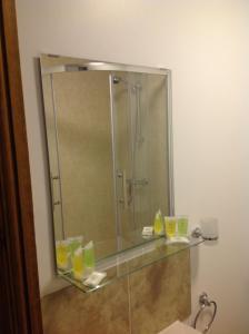A bathroom at The Fair Green Hotel