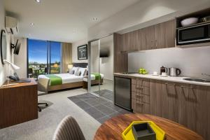 A kitchen or kitchenette at Quest Chatswood