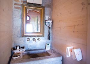 A bathroom at LUXURY VILLA in Valdonica Vineyard