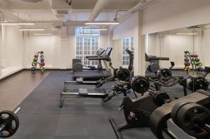 The fitness centre and/or fitness facilities at Zander K Hotel