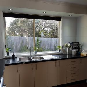 A kitchen or kitchenette at Belle in bowral