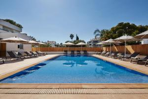 The swimming pool at or near Hotel Casa Vilella 4* Sup