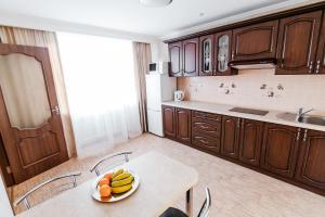 A kitchen or kitchenette at Hotel Ukraine
