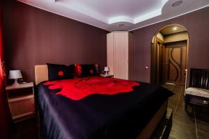 Кровать или кровати в номере Апартаменты на Разина