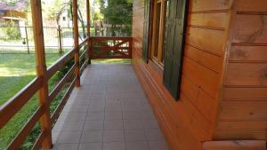 Balkon lub taras w obiekcie Domek Letniskowy Pod Brzozami