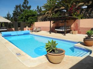 The swimming pool at or near Casa El Morro