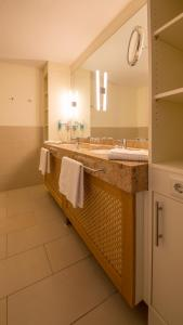 A bathroom at Michels Strandhotel Germania