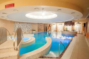 The swimming pool at or near Kaiserhof Hotel
