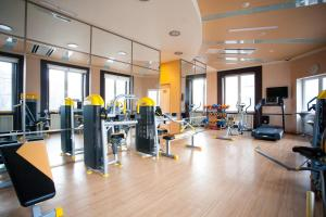 The fitness center and/or fitness facilities at Kaiserhof Hotel