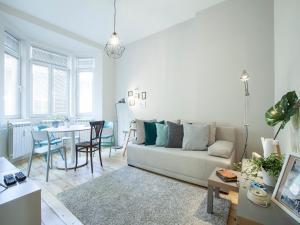 A seating area at Sofia center apartment