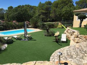 The swimming pool at or close to Villa Sanata