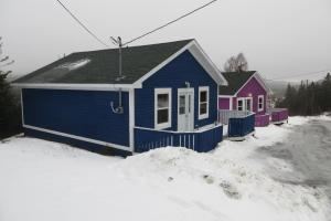 Hillside Cottages during the winter