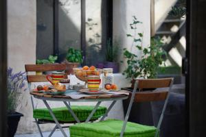 Breakfast options available to guests at Gite La Paloma