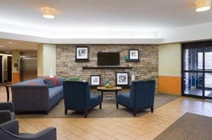 A seating area at Hampton Inn Carlisle