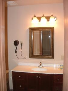 A bathroom at The Sunset Inn