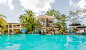 Бассейн в Tokatoka Resort Hotel или поблизости