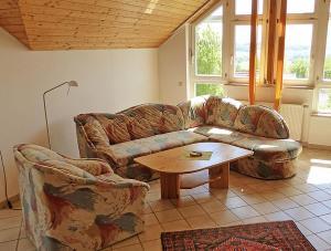 Ein Sitzbereich in der Unterkunft Haus Sonntag