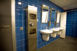 Un baño de BBK Bilbao Good Hostel